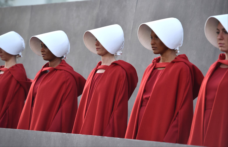 Mandatory+Credit%3A+Photo+by+Stewart+Cook%2FREX%2FShutterstock+%289637472bd%29%0AHandmaids%0A%27The+Handmaid%27s+Tale%27+TV+show+premiere%2C+Arrivals%2C+Los+Angeles%2C+USA+-+19+Apr+2018